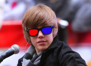 Justin_Bieber_performing_d7db
